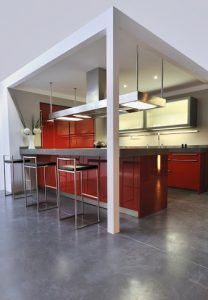 u-shaped kitchen red