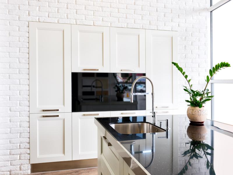 Modern white kitchen - New kitchen cost